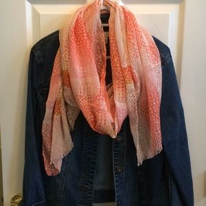 Old Navy spring/ summer scarf NWT
